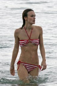 """Some may not agree, but I also find British actress and """"Pirates of the Caribbean"""" star Keira Knightley to be extremely sexy... and I always will (TheWondrous.com)"""