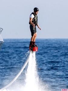 Leo goes airborne in Ibiza (AKM-GSI)