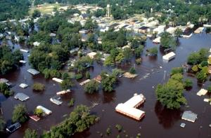 An aerial shot of eastern North Carolina after Hurricane Floyd (US Army)
