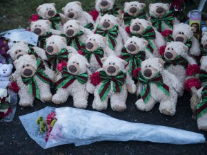 A makeshift memorial for the Newtown victims (Brendan Smialowski/AFP/Getty Images)