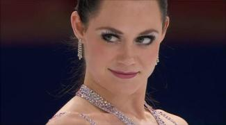 """Canadian ice dancer Tessa Virtue and her partner Scott Moir won gold four years ago and silver in Sochi. And that is one hell of a """"come hither"""" look she has!"""