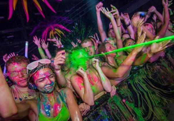 "In late-night, neon-paint-squirting rave culture, this is what's known as ""the money shot"" (Perfectly Timed Photos)"