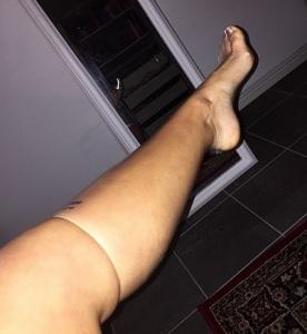 Larsson has a leg of latex (Zara Larsson/Instagram)